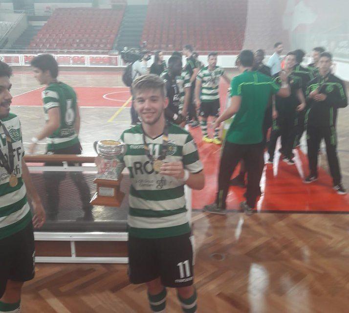 Carvalhense RUI MOREIRA – Sagra-se campeão nacional de Futsal em juniores